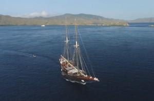 Сафари лодка на Комодо