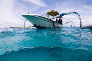 Лодка jukung (джукунг) и дайверы в Jepun (Джепун)