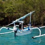 индонезийская лодка jukung, дайвинг на Бали